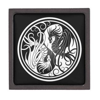 Dragones de Yin Yang del vuelo - blancos y negros Cajas De Joyas De Calidad