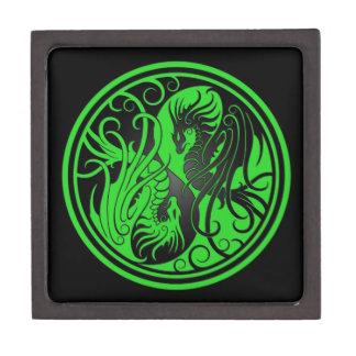 Dragones de Yin Yang del vuelo - verde y negro Cajas De Recuerdo De Calidad