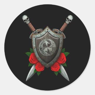 Dragones gastados escudo y espadas de Yin Yang con Pegatinas