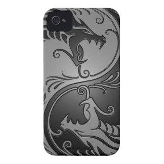 Dragones, gris y negro de Yin Yang iPhone 4 Cárcasa