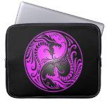 Dragones, púrpura y negro de Yin Yang Funda Portátil