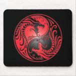 Dragones, rojo y negro de Yin Yang Mousepad