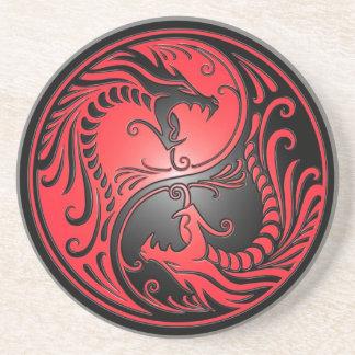 Dragones, rojo y negro de Yin Yang Posavasos Para Bebidas