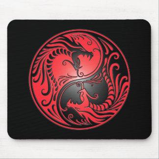 Dragones rojo y negro de Yin Yang Tapete De Raton