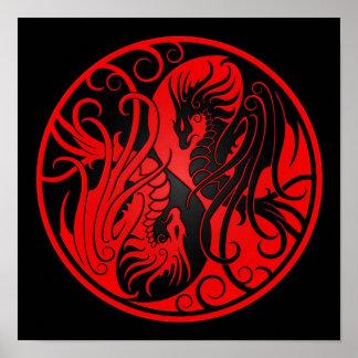 Dragones rojos y negros de Yin que vuelan Yang Poster