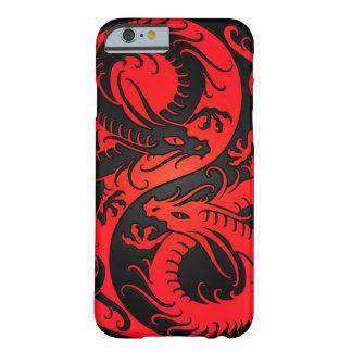 Dragones rojos y negros del chino de Yin Yang