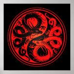 Dragones rojos y negros del chino de Yin Yang Poster