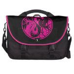 Dragones rosados y negros de Yin que vuelan Yang Bolsa Para Ordenador