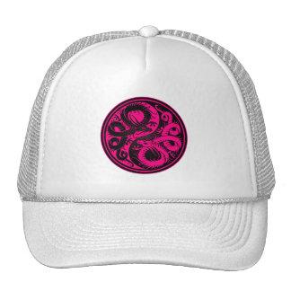 Dragones rosados y negros del chino de Yin Yang Gorras