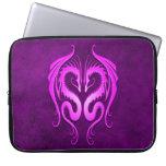 Dragones tribales púrpuras funda ordendadores