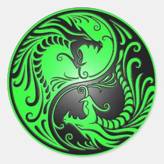 Dragones verde y negro de Yin Yang Etiqueta