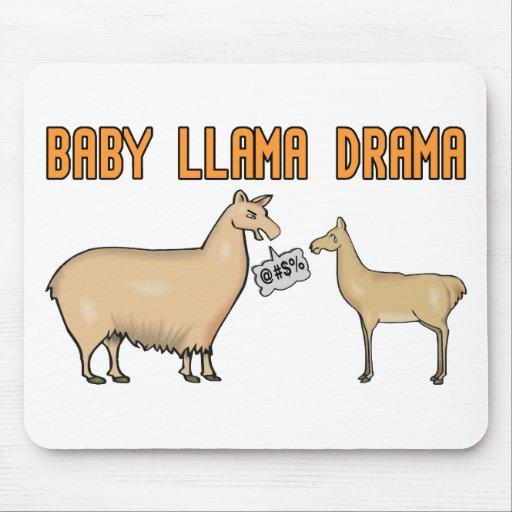 Drama de la llama del bebé alfombrillas de raton