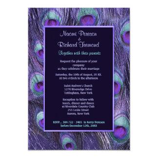 "Drama púrpura de la pluma del pavo real - invitación 5"" x 7"""