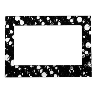 Dramatic Black&White Abstract Magnetic Frame