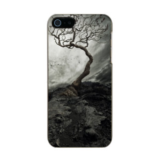 Dramatic sky over old lonely tree metallic phone case for iPhone SE/5/5s