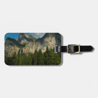 Dramatic View Of Yosemite Valley From The Gates Luggage Tag