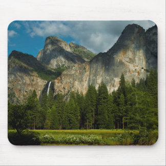 Dramatic View Of Yosemite Valley From The Gates Mouse Pad