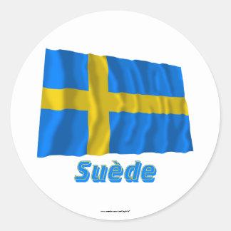 Drapeau Suède avec le nom en français Round Sticker