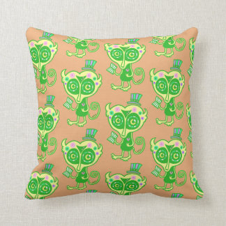 Dream (G) of loris Throw Pillow