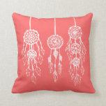 Dreamcatchers bohemio ilustrado coral cojin