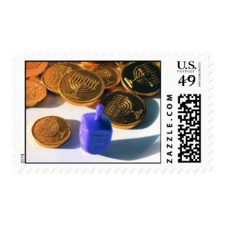 Dreidel de giro con Gelt (monedas del chocolate) Timbre Postal