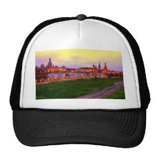Dresden bei Nacht Trucker Hat