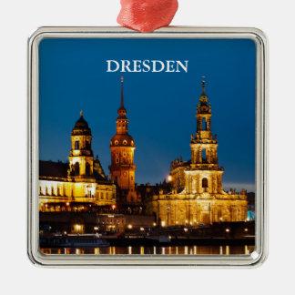 Dresden en la noche adorno navideño cuadrado de metal
