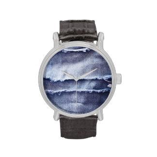 Dril de algodón azul rasgado viejo relojes de mano