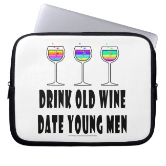 DRINK OLD WINE - DATE YOUNG MEN LAPTOP SLEEVE