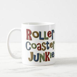 Drogadicto de la montaña rusa taza de café
