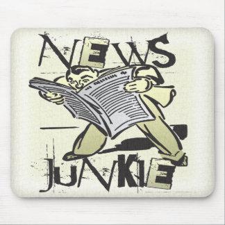 Drogadicto de las noticias alfombrilla de ratones