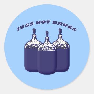 Drogas de los jarros no pegatina redonda