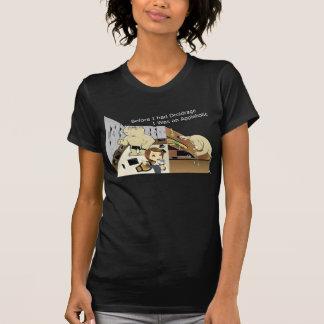DroidrageAppleholic Dark Colors Narrow Image T-Shirt