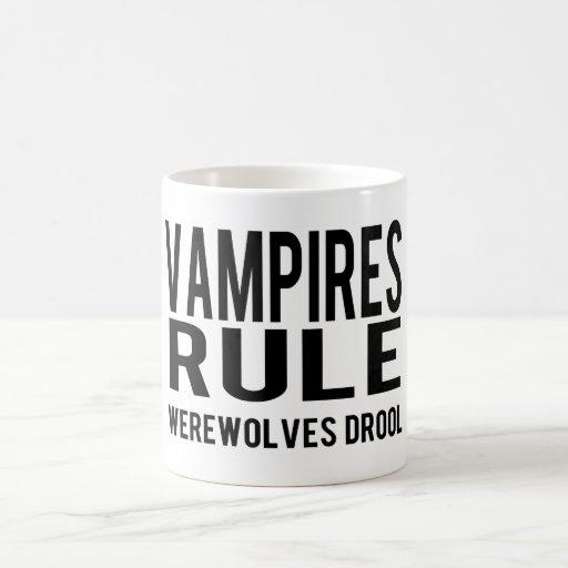 Drool de los hombres lobos de la regla de los vamp taza mágica