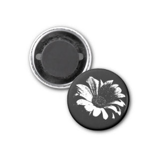 Drops on Daisy 1 Inch Round Magnet