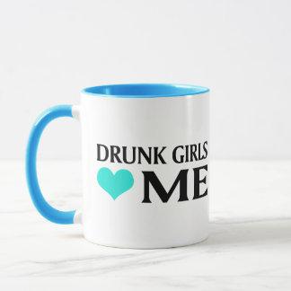 Drunk Girls Love Me Mug