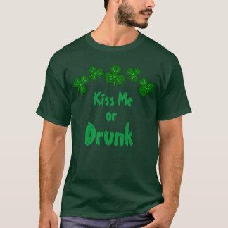 Drunk St Patrick's Day Shamrock   Kiss Me Lucky T-Shirt