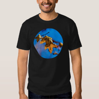 Dry oak leaf - Spring is nor far off T Shirt