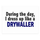 Drywaller durante el día tarjetas postales