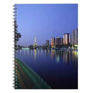 Du delantero el Sena y torre Eiffel, París, Franci Cuaderno