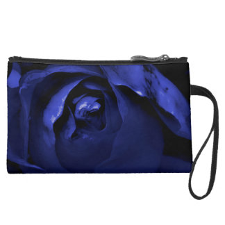 Dualidad color de rosa: Black&Blue + Bolso de embr