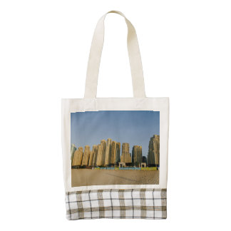 Dubai beach skyscrapers zazzle HEART tote bag