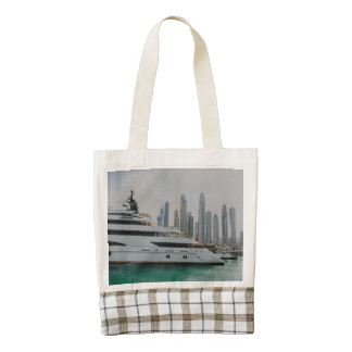 Dubai yacht and skyscrapers zazzle HEART tote bag