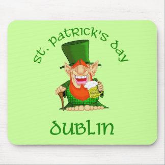 ~ Dublín del día de St Patrick Mousepads