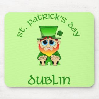 ~ Dublín del día del St Patricks Tapetes De Ratones