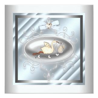 """Ducha azul de plata del bebé de la cigüeña invitación 5.25"""" x 5.25"""""""