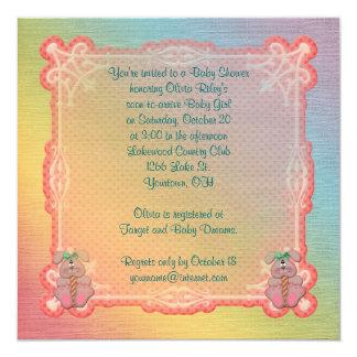 """Ducha del arco iris y de la niña de los conejitos invitación 5.25"""" x 5.25"""""""