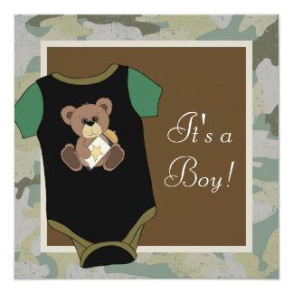 Ducha del bebé del camuflaje del verde caqui invitación 13,3 cm x 13,3cm