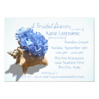 """Ducha nupcial azul del Hydrangea y del Seashell Invitación 5"""" X 7"""""""