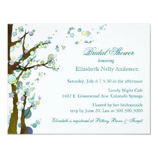 """Ducha nupcial blanca del tema elegante del árbol invitación 4.25"""" x 5.5"""""""